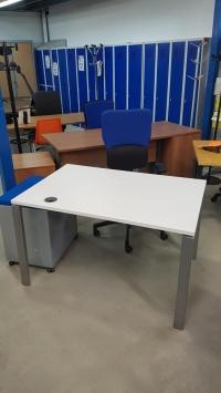 Bureau Plan Droit - Blanc   DIM : 120 x 80 cm
