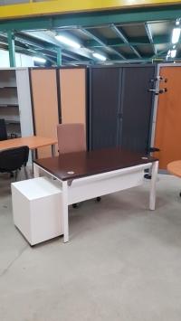Bureau Plan Droit - Wengué      DIM : 140 x 80 cm