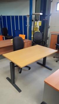 Bureau KINNARPS - Assis/debout   DIM : 140 x 80 cm