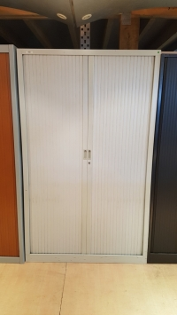 ARMOIRE Haute Gris Clair DIM :120 cm
