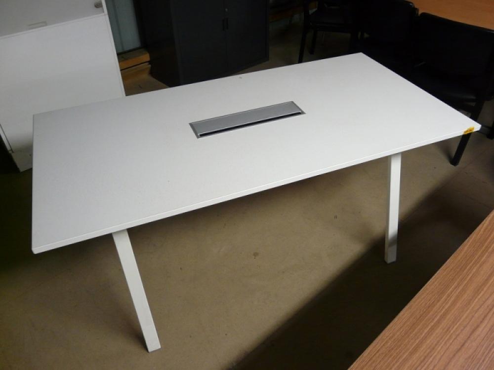 mobilier dpu tat occasions tables de r unions table rectangulaire estel d stock e pas cher. Black Bedroom Furniture Sets. Home Design Ideas
