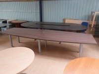 Grande table de réunion forme tonneau occasion